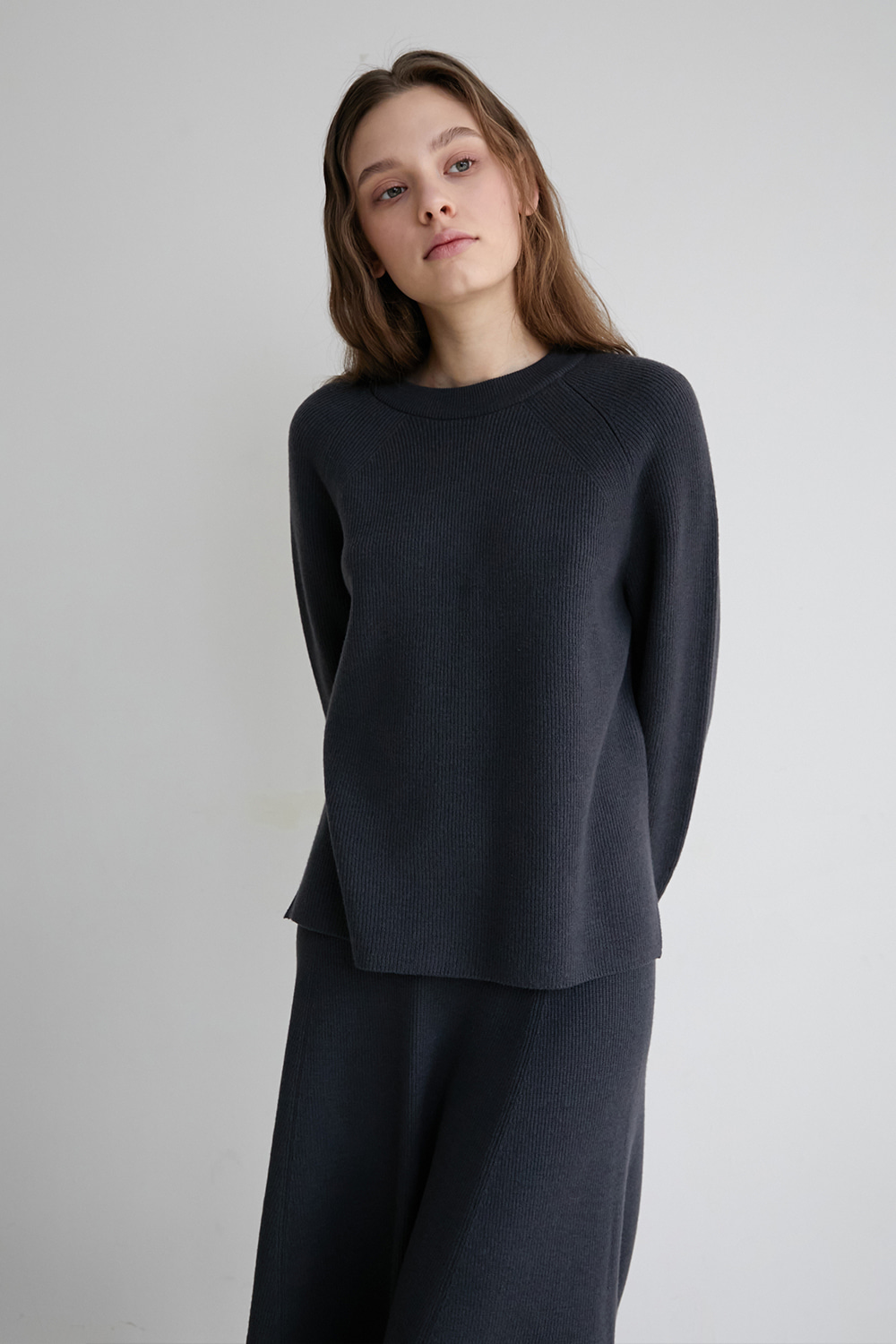 [deep charcoal] Vague pullover